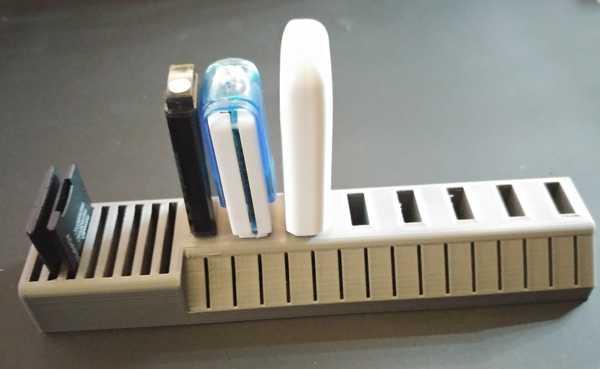 Sd Mini Kart Flash Disk Usb Organizer Tutucu Masaüstü Düzenleyici