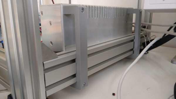 Standart alüminyum ekstrüzyon için güç kaynağı tutucusu
