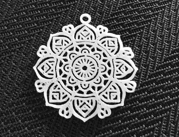Mandala Desenli Model Küpe Delikli Tek Parça Hediyelik Aksesuar