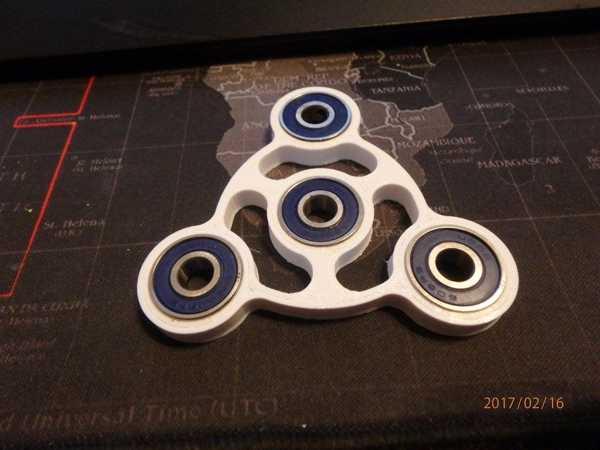 Fidget Spinner - Wingnut2K # 11 Plastik Aparat