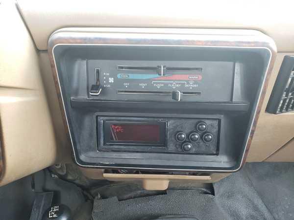 Toptan Din-braketi 87-91 F-Serisi Ses kontrollerine sahip Fords
