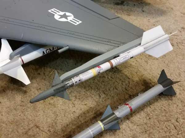 Aim-9 Sidewinder V1 Plastik Aparat