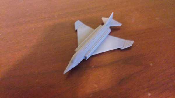 F-4 Hayalet  Organik Plastikten Aksesuar Aparat Süs Eşya