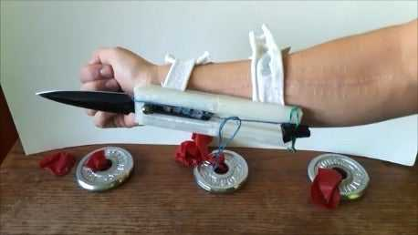 Assassins Creed Gizli Bıçak  Organik Plastikten Aksesuar