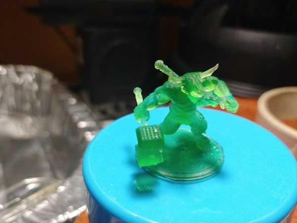 Toptan / Çekiç İle Minotaur Plastik Aparat