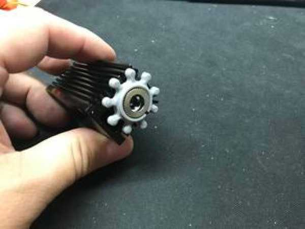 Lazer odak ayarlama tekerleği  Organik Plastikten Aparat