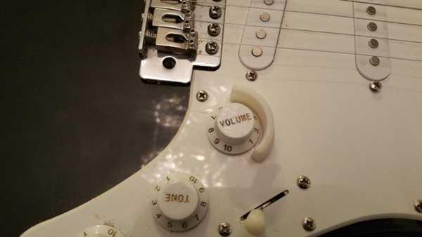 Gitar Ses Potu Topuzu Koruması  Organik Plastikten Aparat