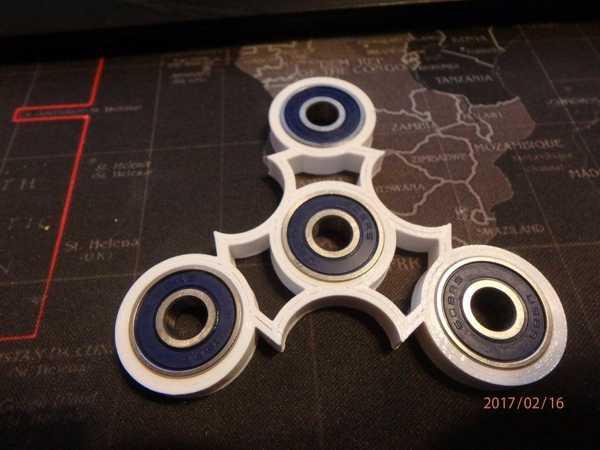 Fidget Spinner - Wingnut2K # 9 Plastik Aparat