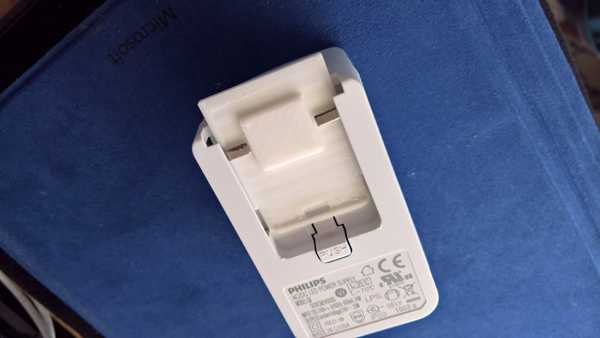 Philips Hue Lightstrip AC konektörü  Organik Plastikten