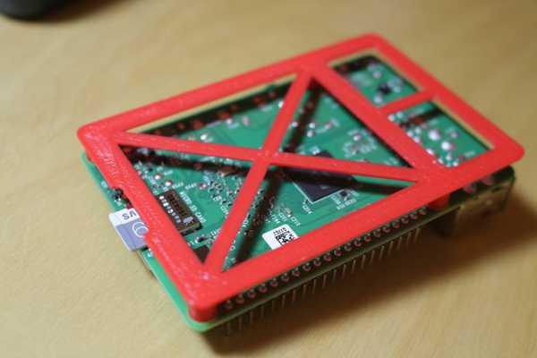 Raspberry Pi 3, 2 ve B+ için tutucu aparat holder vida yuvalı