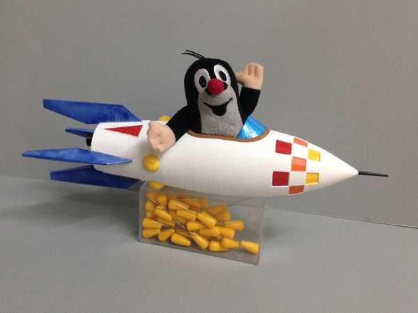Mole Nin Roketi - Krtkova Raketa Plastik Aparat
