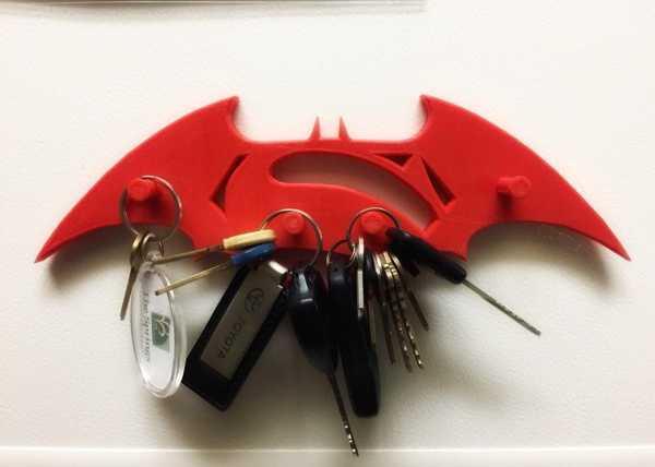 Batman Vs Superman Anahtar Tutucu Plastik Aparat