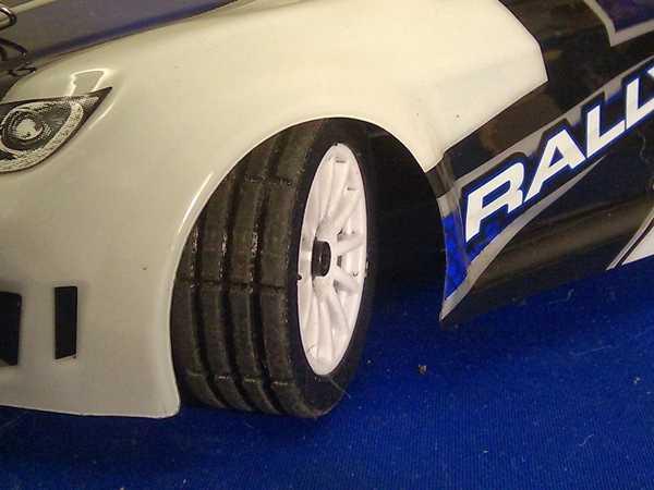 Latrax (yeni) ralli arabası lastiği dış Tutucu Dekoratif Aparat