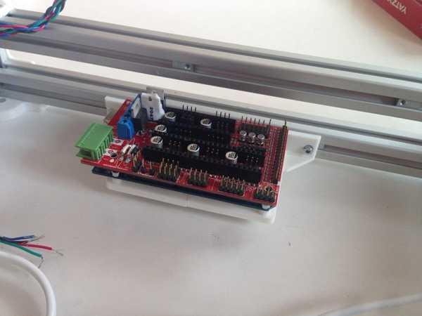 Arduino Mega 2560 R3 Ekstrüzyonlar Için Braketi I-Tip 5 Yuvası - Yatay Sürüm Plastik Aparat