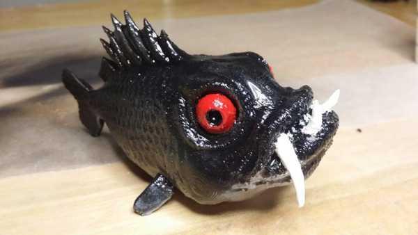 Canavar Balığı Plastik Aparat