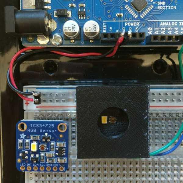 Adafruit RGB Renk Sensörü için bağlantı noktası deliği