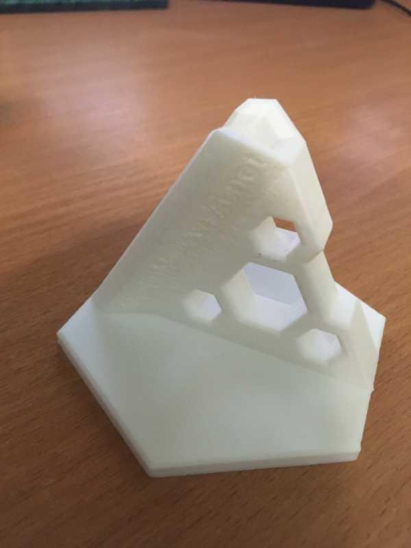 Airbrush Standı - Altıgen Tasarım - Mark 01  Organik Plastikten