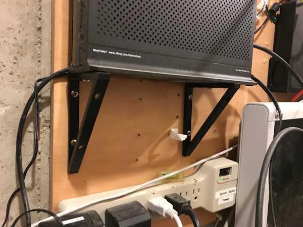 Xfinity / Comcast  Kablo Modem için Duvar Askı Aparatı