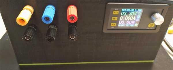 Laboratuvar Güç Kaynağı Dps5005 250W 0-50V 0-5A Plastik Aparat