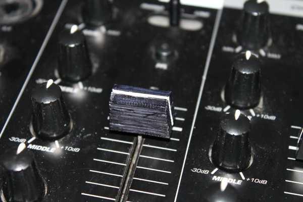 Numark CM200 Fadercap Düğme Dekoratif Aksesuar Aparat