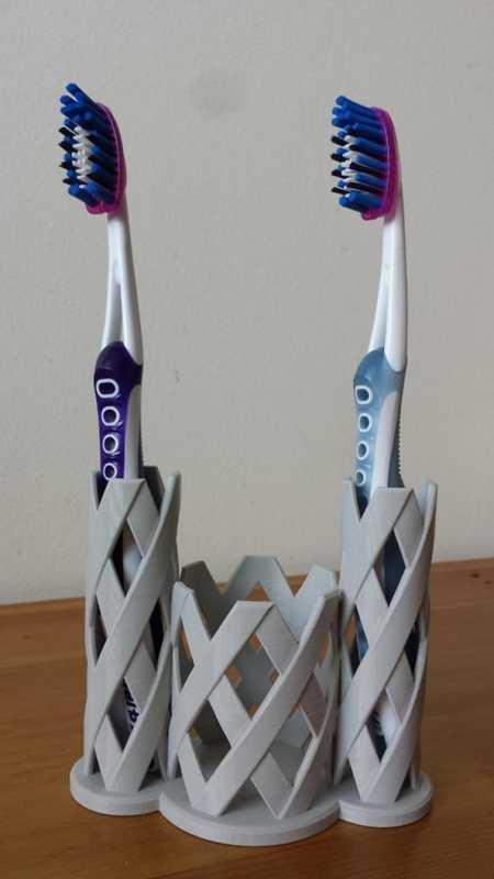 Bükülmüş Diş Fırçası Tutucu X1-4 Plastik Aparat