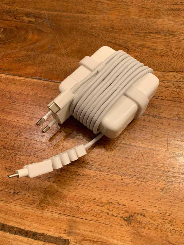 Apple MacBook Pro Güç kablosu Toplama Aparatı Tutucu Type  USB-C