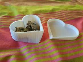 Kalp şeklinde sevgililer kutusu Sevgiliye Hediyelik Organizer