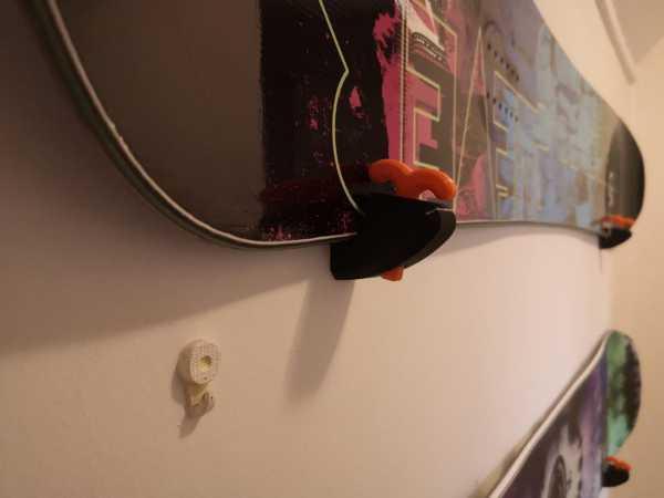 Kayak / Snowboard Yatay Duvar Montajı Plastik Aparat