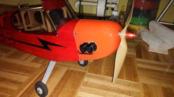 J-3 Piper Kukla Motor Plastik Aparat