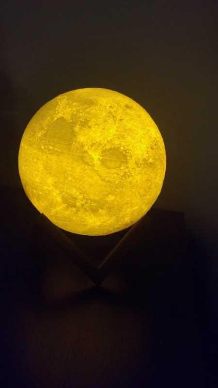 Parlayan Ay Standı Plastik Aparat