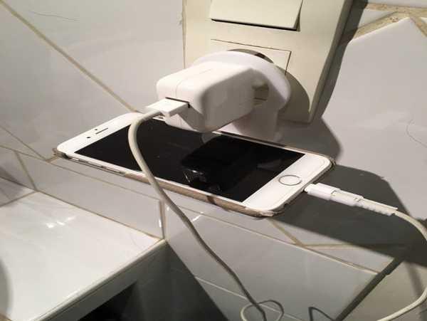 Telefon Tablet Tutucu Şarj Priz Askısı Stant Her Telefona Uyumlu