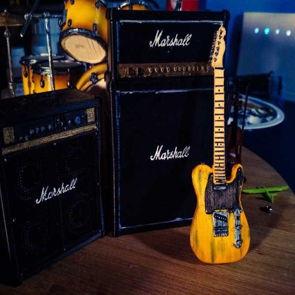 Toptan Fender Telecaster Minyatür Plastik Aparat