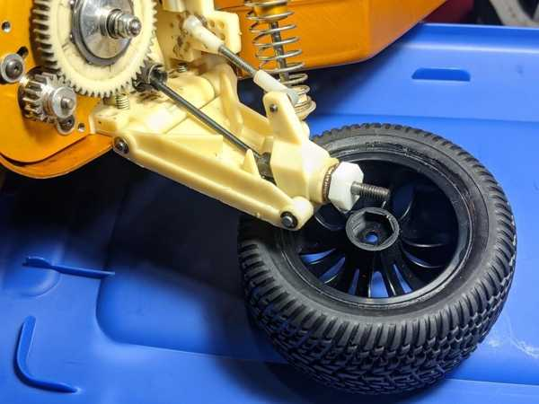 Rc10 Altın Pan Arka Tekerlek 12Mm Hex Adaptörü Plastik Aparat