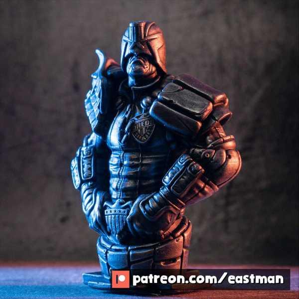 Toptan Hakim Dredd (Fan Art) Plastik Aparat