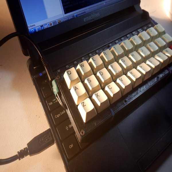 Yine% 30 Klavye Plastik Aparat
